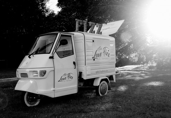 Ape 50 - Prosecco Van
